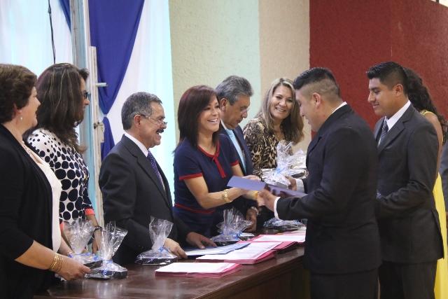 Graduación de alumnos del Instituto de Estudios Superiores de la Sierra